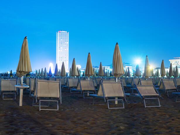 hotelnewcastlecesenatico it offerta-luglio-in-hotel-vicino-al-mare-a-cesenatico 012