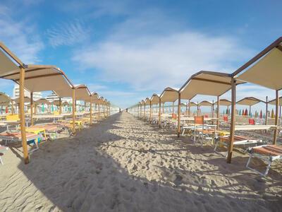 hotelpierrericcione it soggiorno-romantico-riccione-luglio-in-hotel-pensione-completa 022