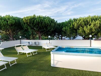 hotelpierrericcione en offer-august-riccione-hotel-all-inclusive-with-beach 018