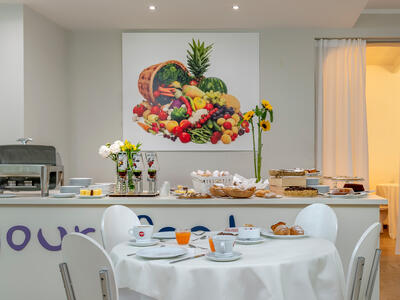 hotelpierrericcione it offerta-ultima-settimana-agosto-riccione-hotel-vicino-al-mare 019