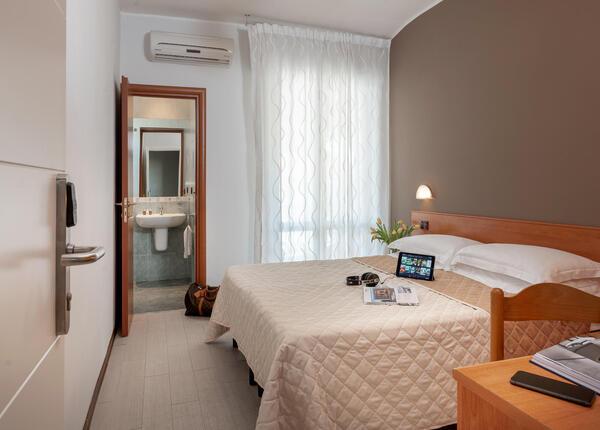 hotelpierrericcione fr offre-speciale-fin-ete-hotel-pas-cher-riccione-pres-de-la-mer 017