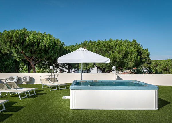 hotelpierrericcione it soggiorno-romantico-riccione-luglio-in-hotel-pensione-completa 014