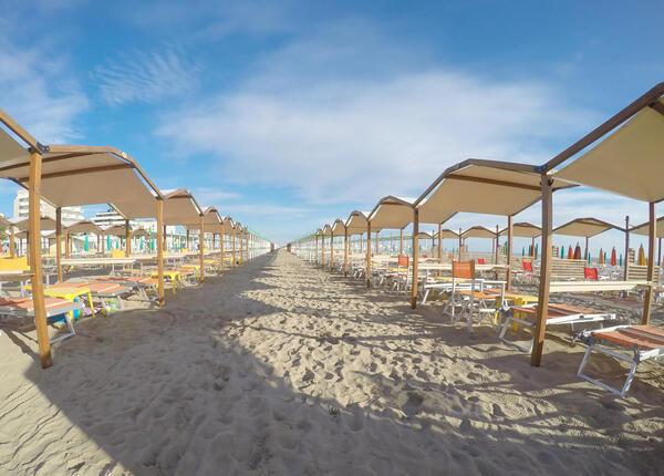 hotelpierrericcione it soggiorno-romantico-riccione-luglio-in-hotel-pensione-completa 017