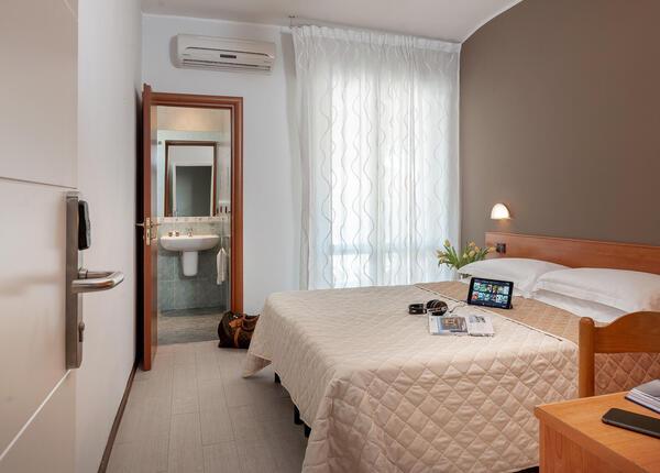 hotelpierrericcione it offerta-a-riccione-per-una-settimana-a-luglio-in-hotel-3-stelle 015
