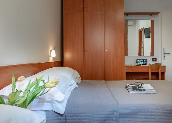 hotelpierrericcione it offerta-prima-settimana-settembre-hotel-riccione-vicino-al-mare 015