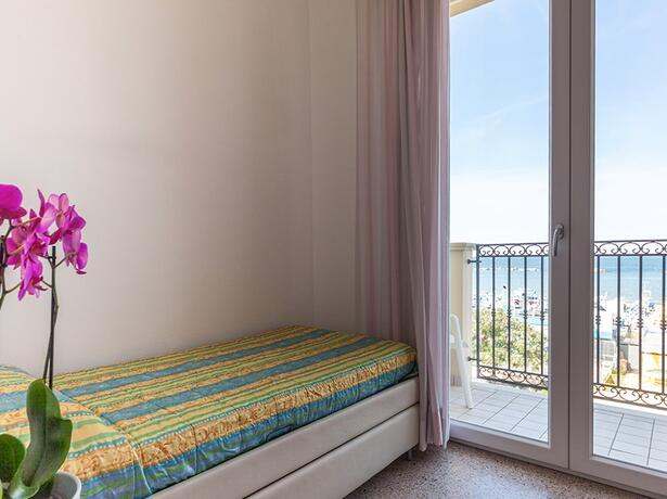 hotelgardencesenatico de angebot-all-inclusive-august-hotel-cesenatico-mit-pool-am-meer 007