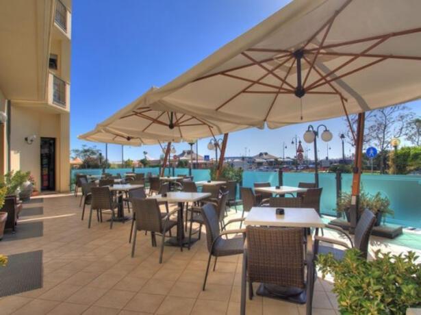 hotelgardencesenatico en september-by-the-sea-on-holiday-in-a-hotel-in-cesenatico 004