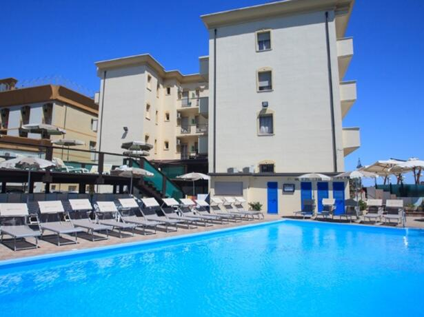 hotelgardencesenatico en july-family-special-all-inclusive-seaside-hotel-with-pool 004