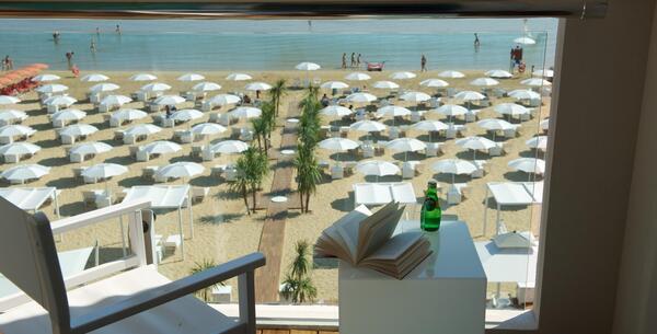 excelsiorpesaro it offerta-luglio-hotel-5-stelle-pesaro-con-spiaggia-privata 013