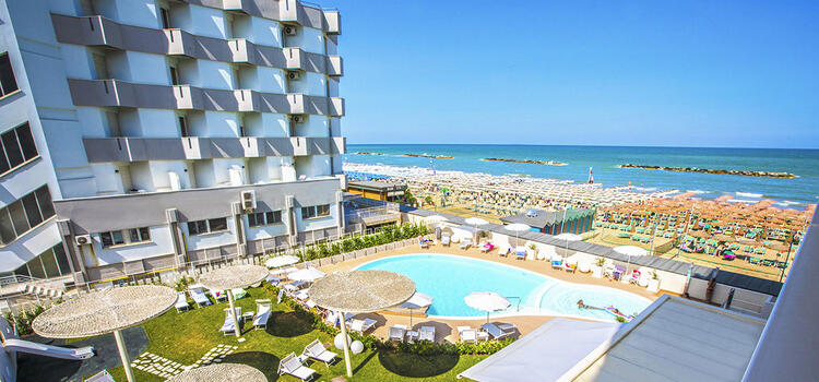 hotelnautiluspesaro en offer-in-september-at-hotel-in-pesaro-for-couples-at-the-sea 011