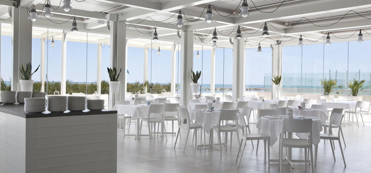 hotelnautiluspesaro en offer-in-september-at-hotel-in-pesaro-for-couples-at-the-sea 014