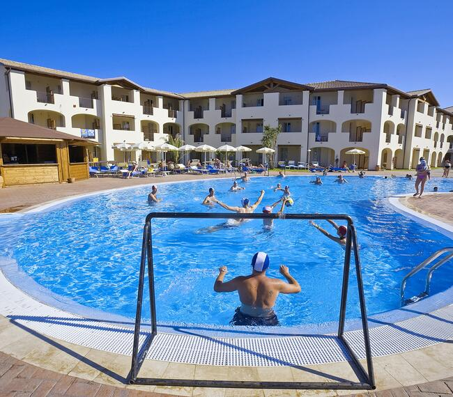 hotelcaladellatorre it bonus-vacanze-in-hotel-per-famiglie-in-sardegna-con-piscina-e-spiaggia-incluse 006
