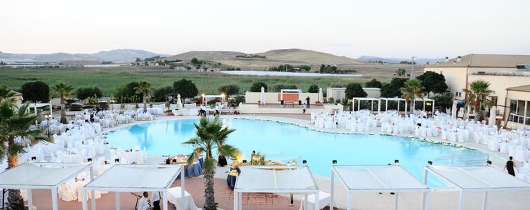 sikaniaresort en pizza-at-poolside-in-resort-in-butera-sicily 029