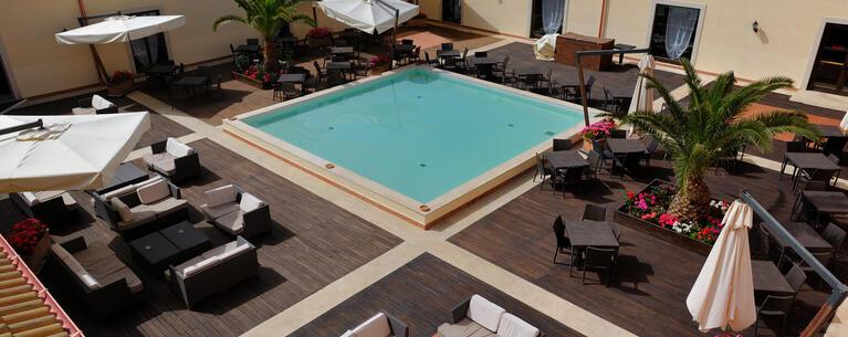 sikaniaresort it pizza-a-bordo-piscina-in-resort-sicilia 031
