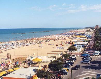 hotelpalmarosa en super-promotion-in-july-at-seaside-hotel-in-roseto-degli-abruzzi-with-beach 015