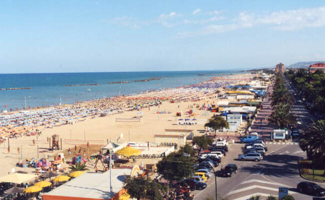 hotelpalmarosa en super-promotion-in-july-at-seaside-hotel-in-roseto-degli-abruzzi-with-beach 010