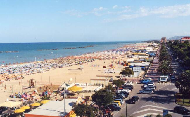 hotelpalmarosa it hotel-a-giugno-a-roseto-degli-abruzzi-fronte-mare 012