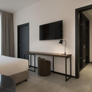 jhotel en accommodation-in-turin-and-juventus-jersey 018