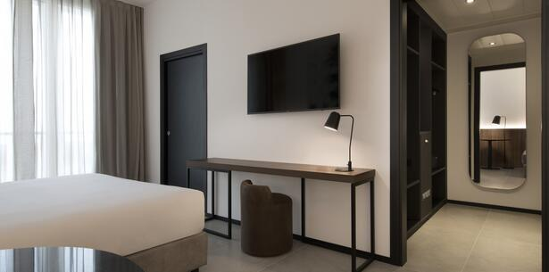 jhotel en accommodation-in-turin-and-juventus-jersey 013