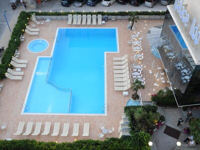 palacelidohotel en low-cost-offer-at-the-end-of-august-in-family-hotel-with-pool-in-lido-di-savio 014