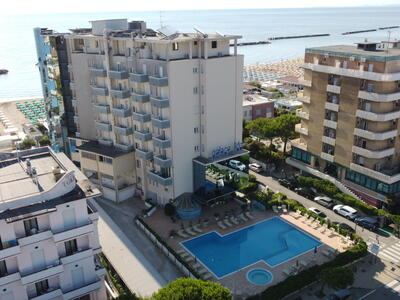 palacelidohotel en low-cost-offer-at-the-end-of-august-in-family-hotel-with-pool-in-lido-di-savio 013