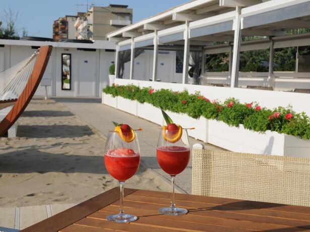 palacelidohotel it offerta-giugno-family-hotel-lido-di-savio-bambini-gratis 011