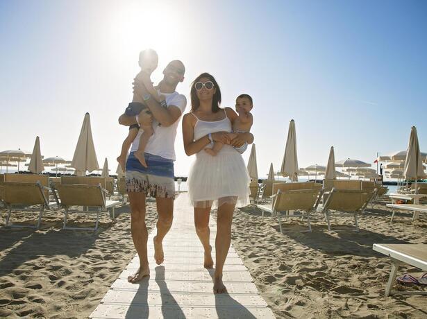 palacelidohotel it offerta-giugno-family-hotel-lido-di-savio-bambini-gratis 013
