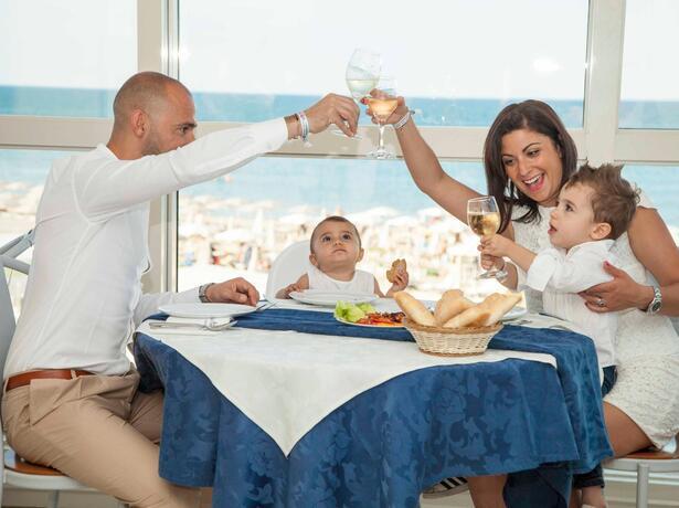 palacelidohotel fr offre-septembre-au-village-pour-familles-a-la-mer-avec-piscine-a-lido-di-savio 012
