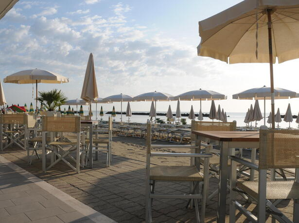 palacelidohotel en offer-summer-holiday-lido-di-savio-family-hotel-with-pool 012