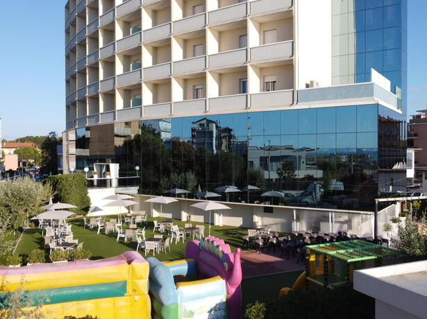 palacelidohotel en september-offer-family-hotel-in-lido-di-savio-free-stay-for-children 010