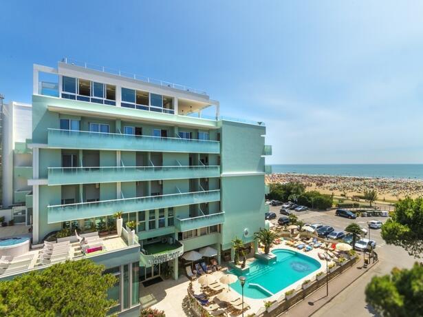 hotel-montecarlo de romantische-woche-im-juli-in-bibione 017