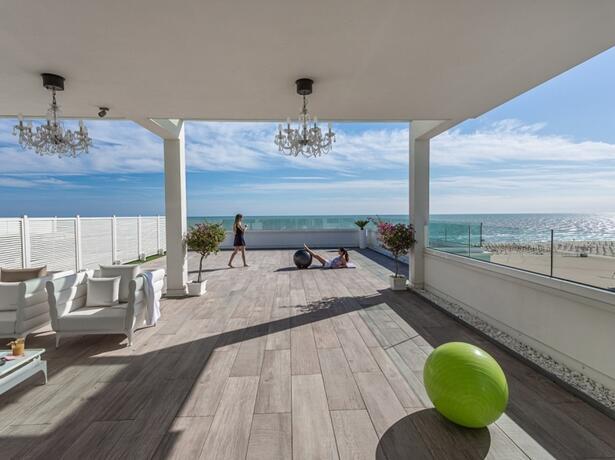 hotel-montecarlo it prenota-prima-vacanze-a-bibione-in-hotel-fronte-mare-4-stelle 017