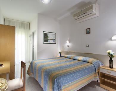 hotelkristalex de sonderangebot-giro-d-italia-etappe-von-cesenatico-uebernachtung-im-hotel-in-der-naehe-der-promenade 027