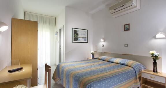 hotelkristalex de sonderangebot-giro-d-italia-etappe-von-cesenatico-uebernachtung-im-hotel-in-der-naehe-der-promenade 022