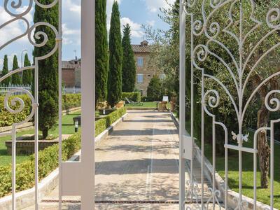 sangregorioresidencehotel fr hotel-pienza-pour-trekking-entre-les-vignes-avec-degustation-de-vin-montepulciano 012