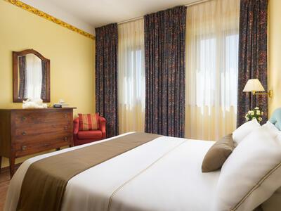 sangregorioresidencehotel fr hotel-pienza-pour-trekking-entre-les-vignes-avec-degustation-de-vin-montepulciano 014