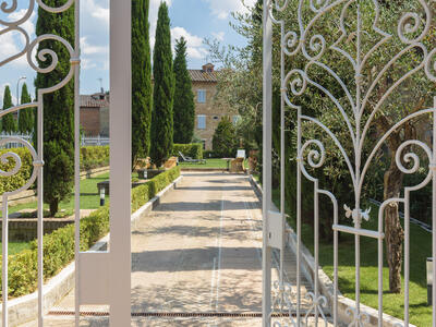 sangregorioresidencehotel en offer-july-hotel-pienza-with-suite-and-free-e-bike 012