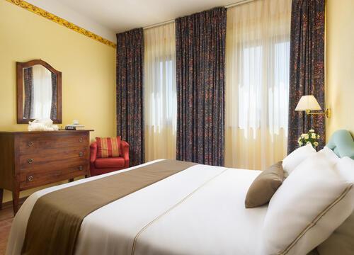 sangregorioresidencehotel fr hotel-pienza-pour-trekking-entre-les-vignes-avec-degustation-de-vin-montepulciano 009