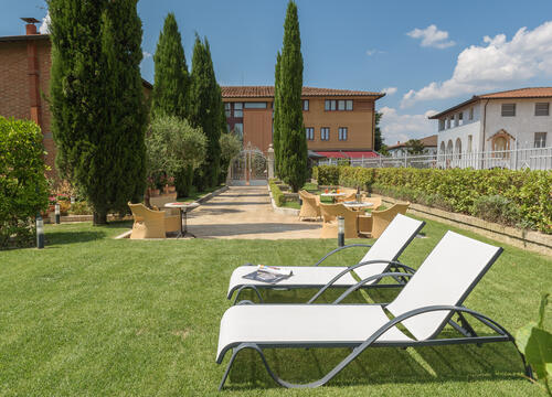 sangregorioresidencehotel en hotel-pienza-with-a-special-agreement-with-the-farm-for-trekking-and-tasting-sessions 006