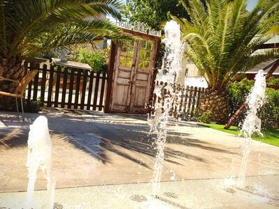 hotelduemari fr juillet-special-familles-a-l-hotel-pres-de-la-mer-et-avec-piscine 013