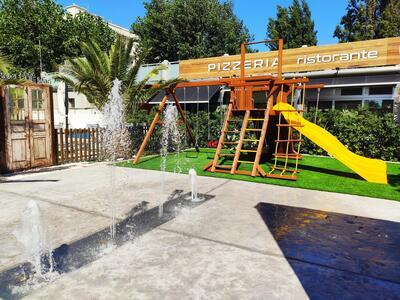 hotelduemari fr offre-pour-sejour-balneaire-en-aout-a-l-hotel-4-etoiles-avec-piscine-et-jardin 013