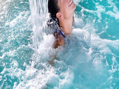 hotelduemari it speciale-festa-della-donna-in-hotel-sul-mare-a-rimini 012
