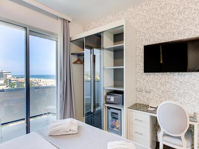 hotelduemari it offerta-in-hotel-a-rimini-fronte-mare-per-fiera-expodental-meeting 014