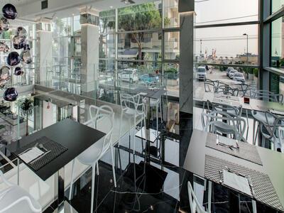 hotelduemari de angebot-moto-gp-misano-im-hotel-in-rimini-in-strandnaehe 013