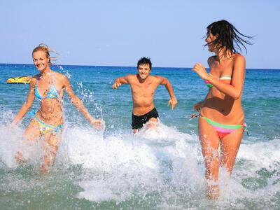 hotelduemari it speciale-notte-rosa-in-hotel-sul-mare-con-piscina-a-rimini 013
