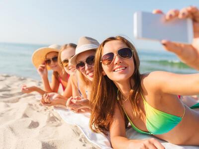 hotelduemari it speciale-notte-rosa-in-hotel-sul-mare-con-piscina-a-rimini 012
