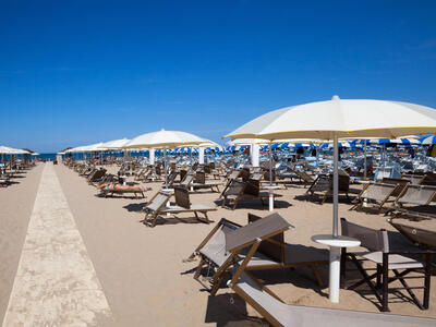 hotelduemari en july-early-august-offer-by-the-sea-in-a-4-star-hotel-in-rimini 011