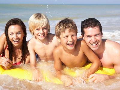 hotelduemari fr juillet-special-familles-a-l-hotel-pres-de-la-mer-et-avec-piscine 010