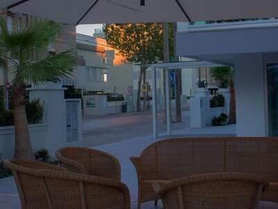 hotelduemari it offerta-moto-gp-misano-in-hotel-a-rimini-vicino-al-mare 014