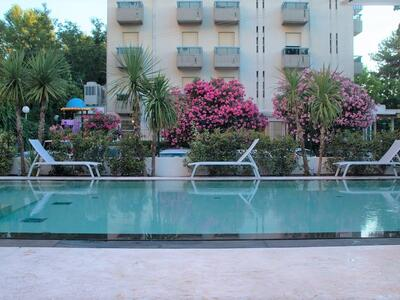 hotelduemari en special-offer-beach-holidays-in-august-in-4-star-hotel-with-pool-and-garden 011